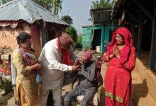 Photo of क्यान्सर बिरामीलाई मन्त्री श्रेष्ठकाे सहयोग
